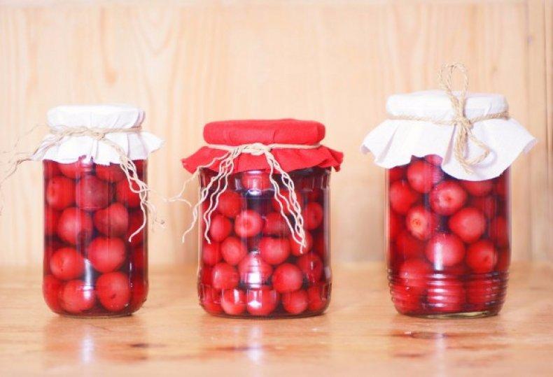 Из ягод получаются очень вкусные компоты
